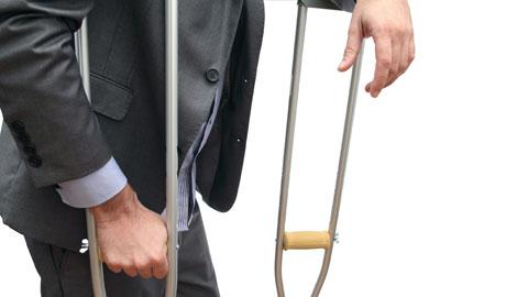 wpid-businessman-on-crutches.jpg