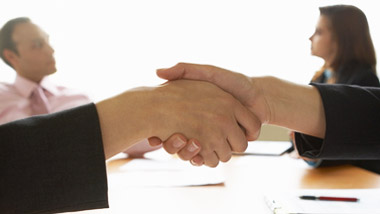 wpid-compromise-agreements-hand-shake.jpg