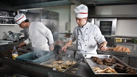 wpid-restaurant-workers.jpg