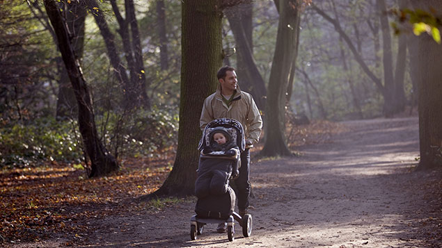 Father will be able to benefit from shared parental leave from April 2015