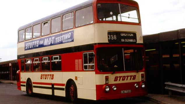 By Pimlico Badger (Stotts CWG726V in Ashton Bus Station 1993) [CC BY-SA 2.0], via Wikimedia Commons