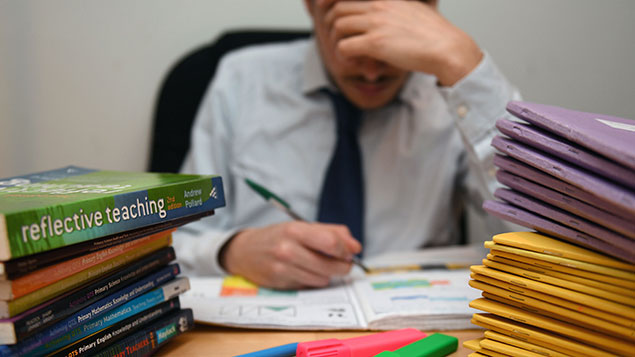 Union doubtful over government figures on teachers' hours