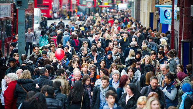 London street scene rush hour