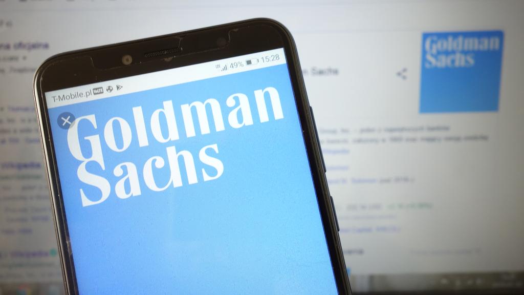 Goldman Sachs to increase junior bankers pay